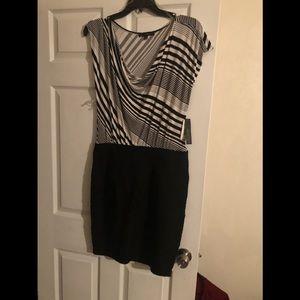 Dresses & Skirts - Scope neck dress